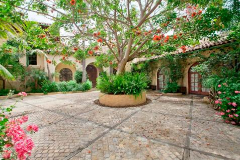 montecito courtyard