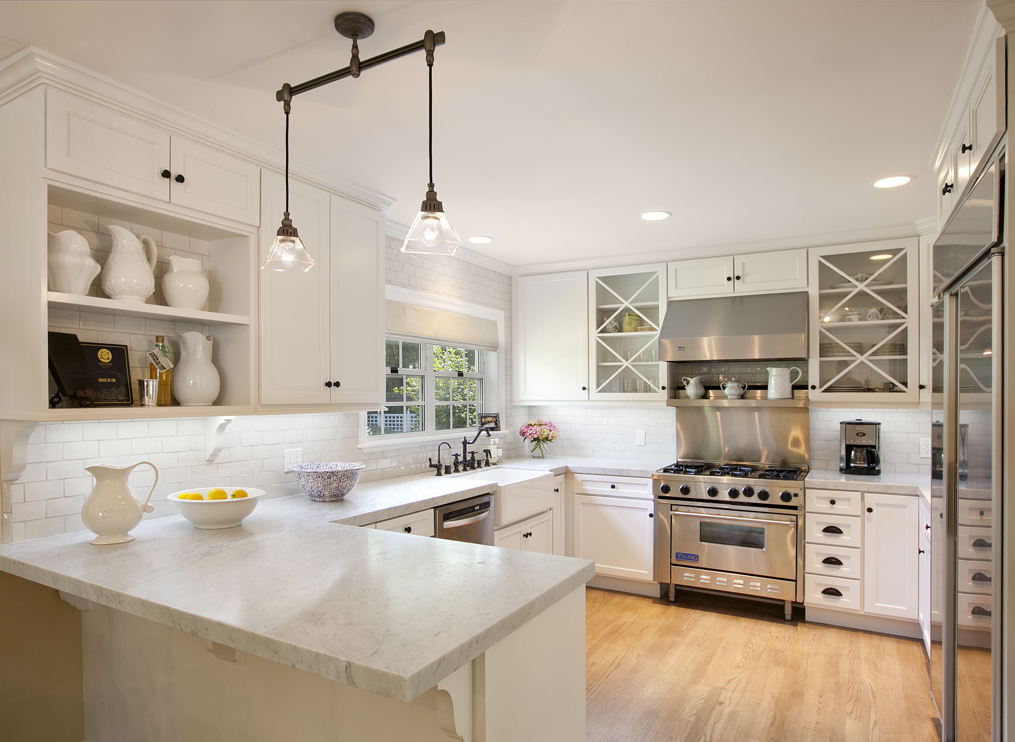 Beautiful kitchens eat your heart out part two for Beautiful kitchen remodels